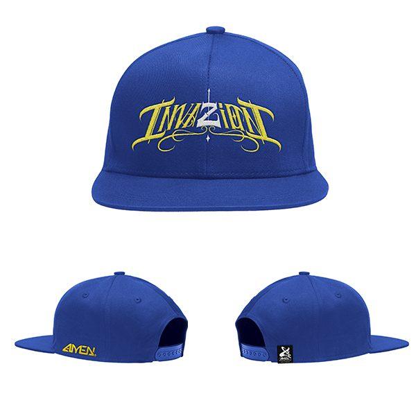 Invazion-gorra-Azul-logo-amarillo-y-blanco