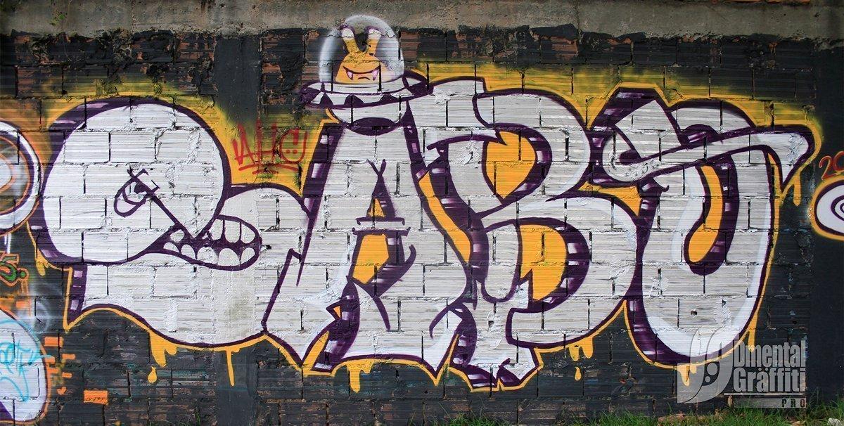 5-AUN-2015-GRAFFITI